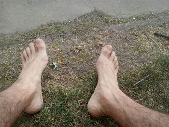 alergat in picioarele goale